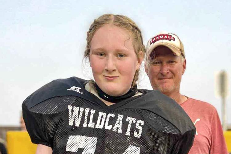 Nose guard/right tackle Ellery Yarnold
