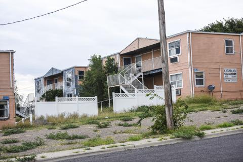 City orders Canadian Apartments owners to secure and repair abandoned property