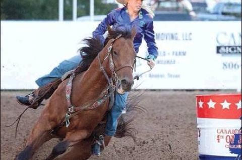BARREL RACER DESSA HEXT AND CODE (PHOTO BY LINDSAY NORRIS)